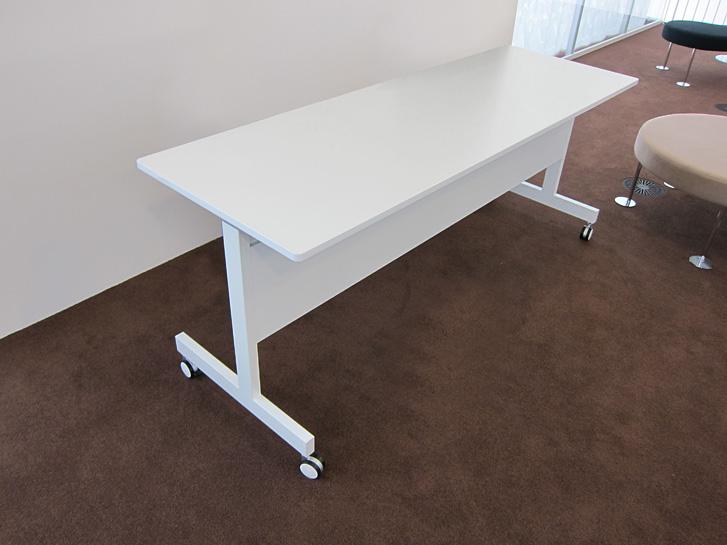 SIDESTACK TABLE