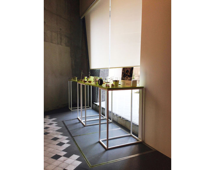 GRID TABLE -LEMNOS TOKYO SHOWROOM-